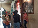 pengunjung-museum-tjong-a-fie-saat-berswafoto-di-halaman-tengah-rumah-tjong-a-fie.jpg
