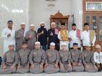pengurus-bkm-masjid-sutan-ibnu-hasyim-bersama-santri-rumah-tahfiz-binaan.jpg