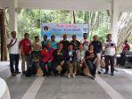 pengurus-pwi-sumut-dan-sejumlah-pemimpin-redaksi-berfoto-bersama-pihak-danone-aqua-indonesia.jpg