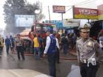 polisi-amankan-lokasi-kebakaran-tribun_20161031_100625.jpg
