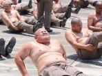 polisi-gendut-di-thailand-menjalani-pelatihan-di-kamp-penghancuran-perut-buncit.jpg
