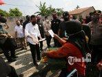 presiden-indonesia-tinjau-vaksinasi-covid-19-2.jpg