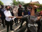 presiden-indonesia-tinjau-vaksinasi-covid-19.jpg