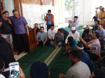 puluhan-imigran-rohingya-di-makassar-menggelar-pertemuan-menangis_20170905_112211.jpg