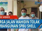 puluhan-warga-jalan-wahidin-datangi-kantor-lurah-pandau-hulu-ii-tolak-pembangunan-spbu-shell-qq.jpg