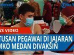 ratusan-pegawai-di-jajaran-pemerintah-kota-medan-disuntik-vaksin-covid-19-qq.jpg