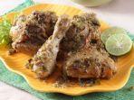 resep-ayam-panggang-bumbu-cabai-hijau-menu-olahan-ayam-lezat-untuk-makan-siang.jpg