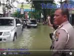 rizal-maulana-banjir-lagi-tribun_20160909_174806.jpg