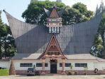 rumah-adat-suku-pakpak-di-kabupaten-dairi.jpg