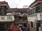 rumah-pria-75-tahun-jadi-gunung-sampah-raksasa.jpg