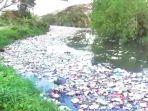 sampah-di-sungai-bedera.jpg