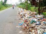 sampah-menumpuk-di-jalan-industri-deliserdang.jpg