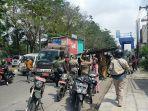 Bu Lurah Harjosari Nyaris Bentrok dengan Pedagang di Jalan Sisingamangaraja saat Razia