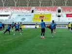 skuat-psms-medan-latihan-di-stadion-jakabaring-palembang.jpg