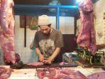 suasana-pedagang-daging-lembu-dan-sayur-mayur-di-pusat-pasar-medan.jpg