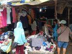 suasana-pengunjung-saat-memilih-baju-di-pasar-petisah-jalan-rotan-proyek.jpg