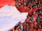 suporter-timnas-indonesia-di-sugbk-jakarta_timnas-indonesia-vs-thailand.jpg