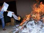 surat-suara-dibakar.jpg