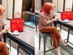 Gaya Syahrini jalan di Mal Sama Reino, Harga & Merk Tas Merahnya jadi Sorotan, Bisa Bangun Rumah