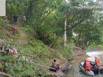 tim-sar-melakukan-pencarian-orang-hanyut-di-sungai-belawan_tim-basarnas.jpg