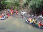 wakil-wali-kota-medan-ir-h-akhyar-nasution-msi-memimpin-langsung-aksi-bersih-bersih-sunga_20180326_161729.jpg