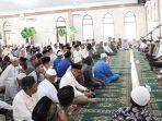 wali-kota-medan-dzulmi-eldin-beserta-ratusan-warga-melaksanakan-shalat-sunnah-tasbih.jpg
