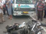 warga-mengerumuni-kecelakaan-lalu-lintas-dijalan-umum-dsds.jpg