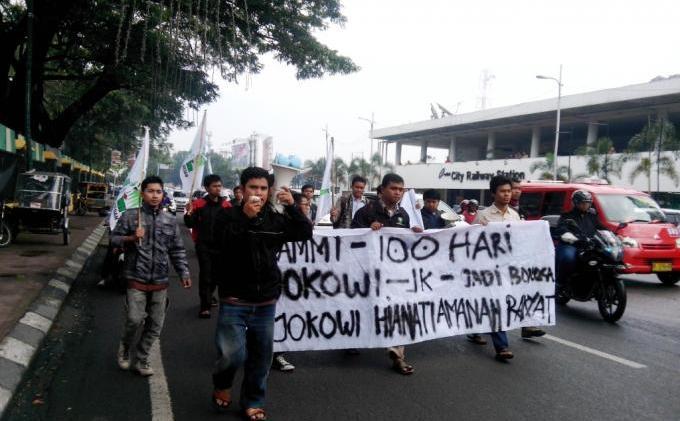 KAMMI Sumut Tolak Jokowi ke Sumut - kammi_tolak_jokowi3.jpg