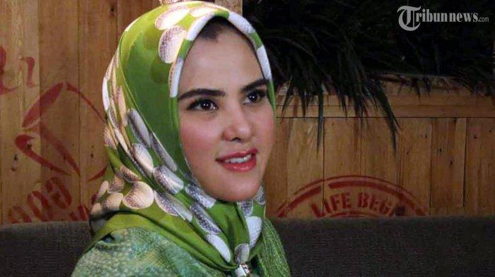 Angel Lelga Suka Hijab Sederhana Biar Gampang Wudhu