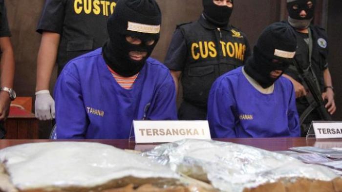 Dua Pemuda Ditangkap, Mau Kirim Sabu Lewat Paket Kilat