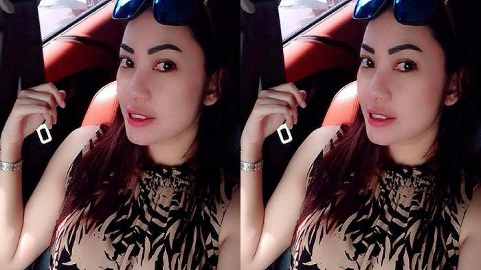 September 2016 Ena Amara Edarkan Mini Album Pocong Cinta