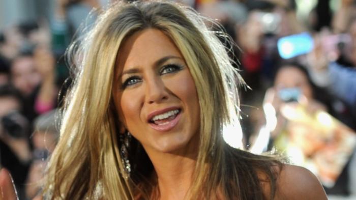 Jennifer Aniston Bermasalah dengan Ukuran Baju
