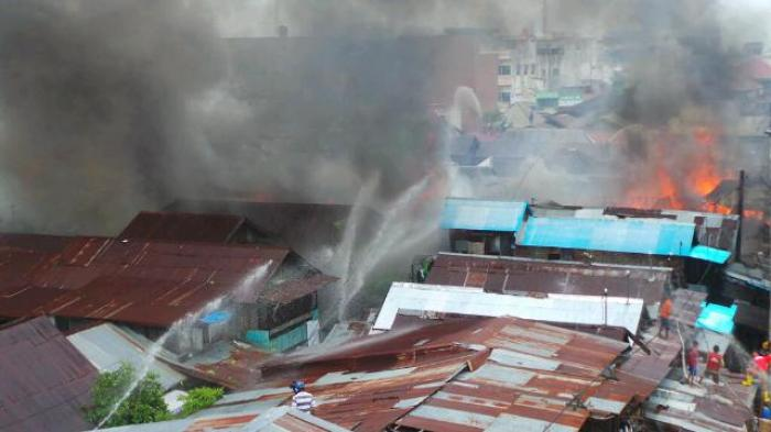 Warga: Asal Api dari Rumah Enor