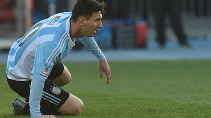 Keluarga Messi Diserang Fans Cile saat Babak Pertama Final