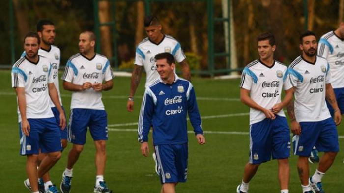 Eden Hazard: Messi Harus Dihentikan