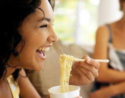 Nih Ada Tips Memasak Mi Instan Biar Lebih Sehat