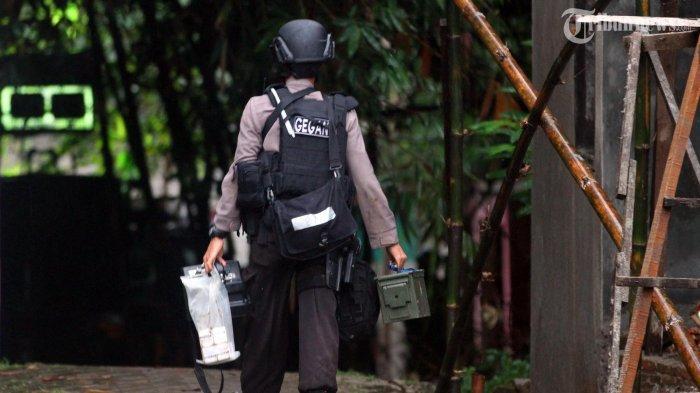 Ada Benda Mencurigakan di Taman Kantor Jokowi