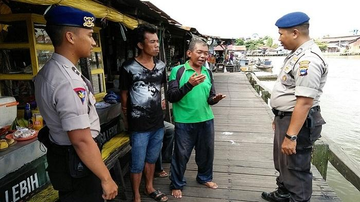 KM Karya Ampi Nyaris Karam di Dermaga Pasar Lima Banjarmasin
