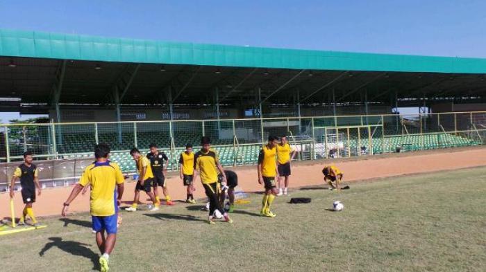 Desak KONI Pusat Hapus Sepak Bola di PON Jabar