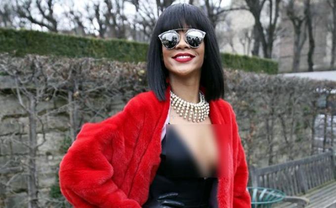Rihanna Mencari Inspirasi Paris untuk Lini Busananya