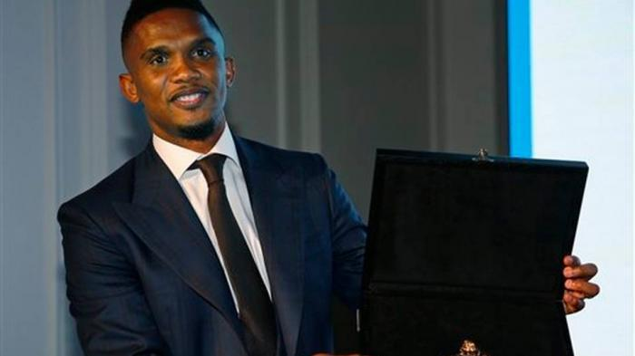 Samuel Eto'o Disemati Penghargaan Medali Anti Rasisme