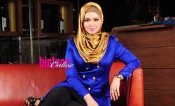 Terharu Melihat Pengabdian Siti Nurhaliza Pada Suami