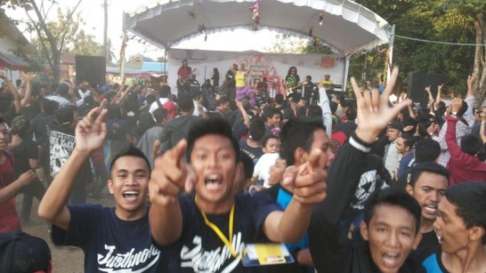 Lagu Reggae Bikin Siswa Banjarbaru Bergoyang
