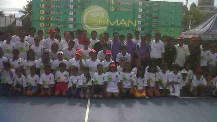 Wagub Buka Tenis H Leman Cup