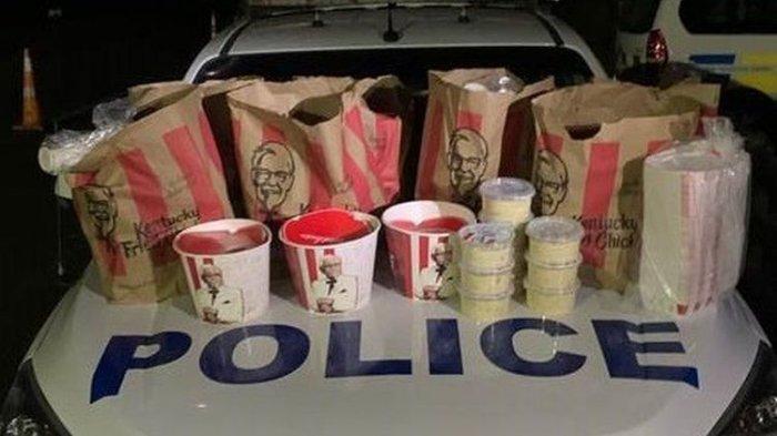 Dua Pria Ditangkap Usai Borong Ayam Goreng KFC & Makanan Lainnya di Tengah Malam, Ditemukan Ini Juga
