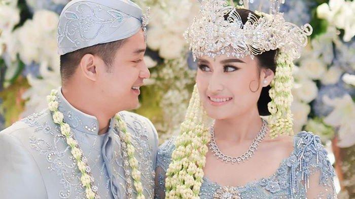 Deretan Foto Pernikahan Adly Fairuz dan Angbeen Rishi, Resepsi Tertutup Akibat Virus Corona
