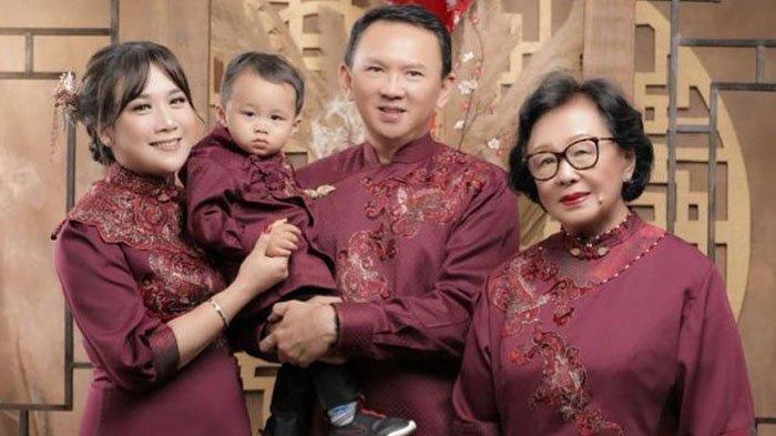 Ahok, Puput Nastiti Devi, Yosafat Abimanyu dan Buniarti Ningsih saat rayakan Imlek 2021