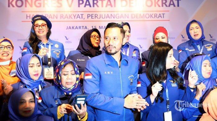Ketua Umum Partai Demokrat Periode 2020-2025 Agus Harimurti Yudhoyono (AHY) bersama Istrinya Annisa Pohan usai Kongres V Partai Demokrat di Jakarta Convention Center (JCC) Senayan, Jakarta, Minggu (15/3/2020). ANY resmi menjadi Ketua Umum Partai Demokrat periode 2020-2025 setelah dipilih secara aklamasi dalam Kongres V Partai Demokrat untuk menggantikan Susilo Bambang Yudhoyono. TRIBUNNEWS/IRWAN RISMAWAN