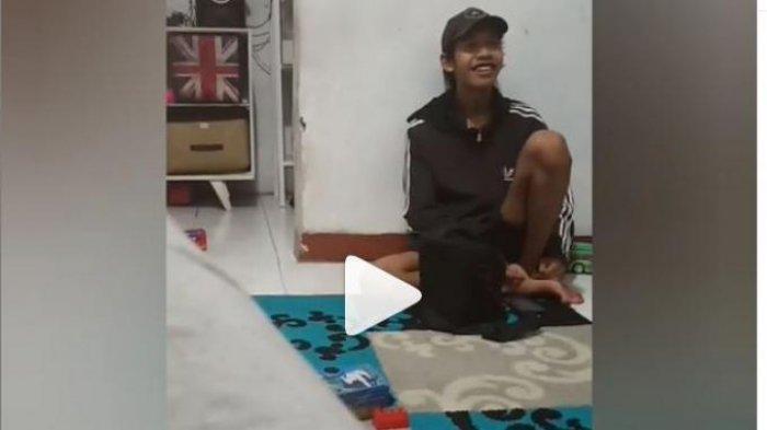 Viral Karyawan Rela di-PHK Demi Temannya, Tak Berselang Lama Kini Malah 'Pusing' Kebanjiran Rezeki