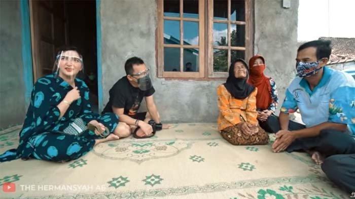 POPULER Fakta Sebenarnya Video Viral Nenek Dipaksa Jualan Hingga Anak Membantah, Ashanty Sampai Syok